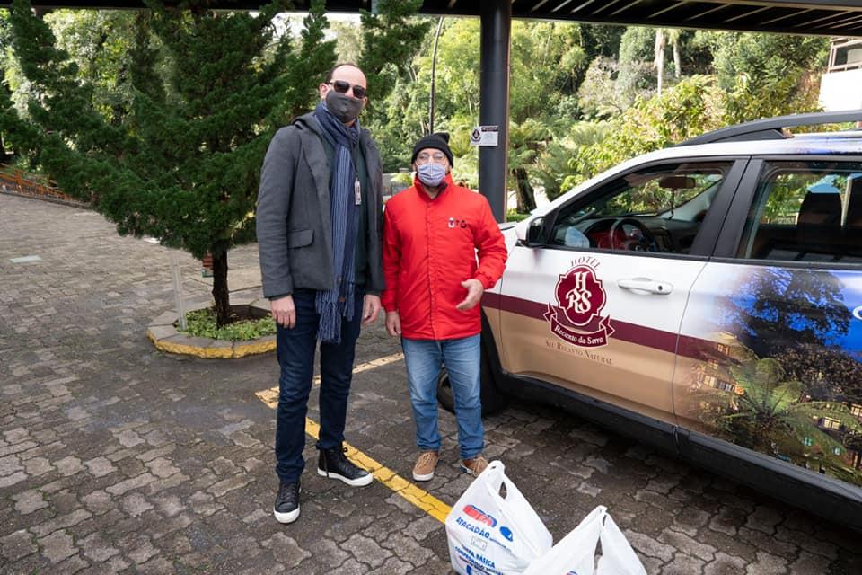 Hotel Recanto da Serra faz doação de cestas básicas